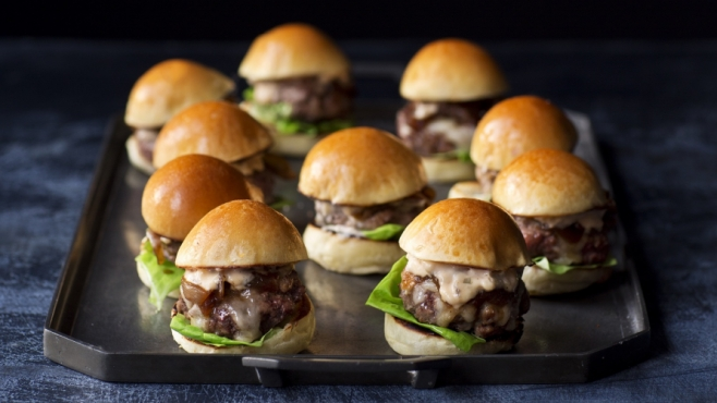 sliders with cola onions